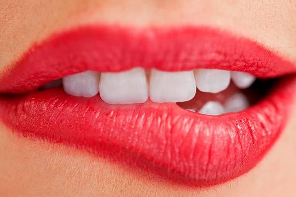 lepedék a nyelvszag kezelésére