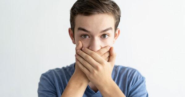 böfög az aceton szaga a szájból hogyan lehet megtisztítani a belek szagát a szájból
